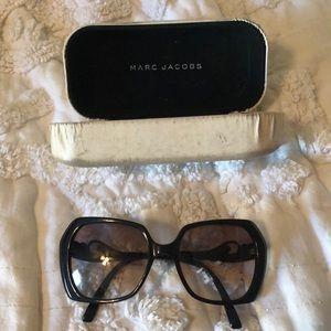 Marc Jacobs oversized sunglasses